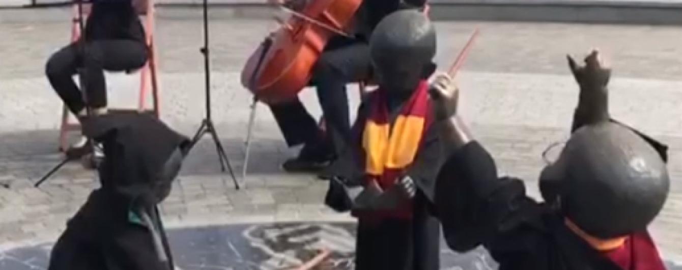 Малюки-засновники Києва на Поштовій площі стали учнями Гоґвортсу
