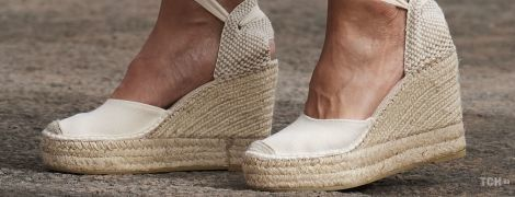 Еспадрильї - улюблене взуття королев, герцогинь, кінозірок і моделей