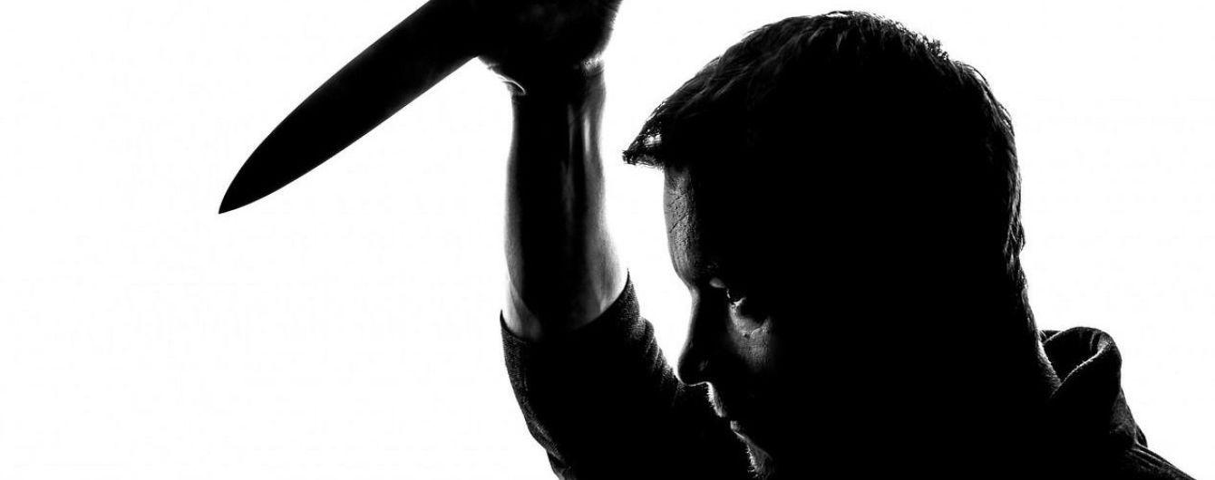 З ножем на ОСББ: у Запоріжжі чоловік трощив будинок і вимагав передати його комунальникам
