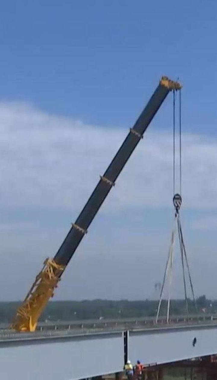 """В """"Укравтодоре"""" обещают строить """"Запорожский мост"""" круглосуточно"""