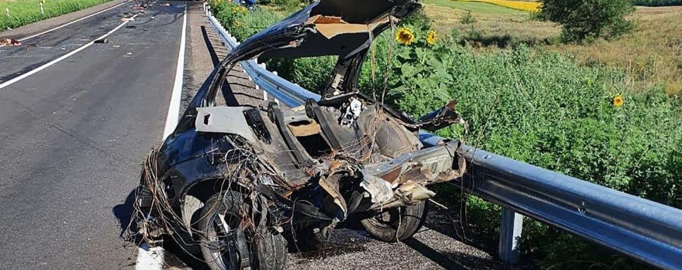 Страшное ДТП в Запорожской области: в результате столкновения легковушки и грузовика погибли 4 человека