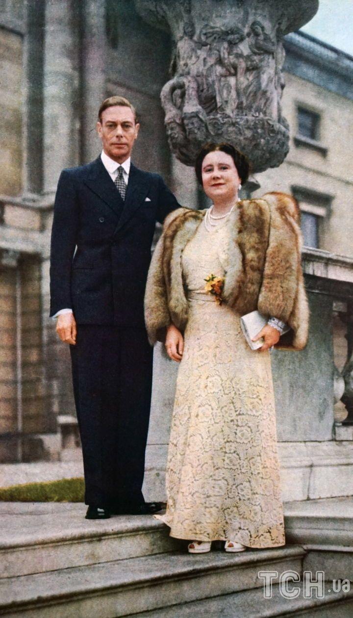Єлизавета Боуз-Лайон і король Георг VI