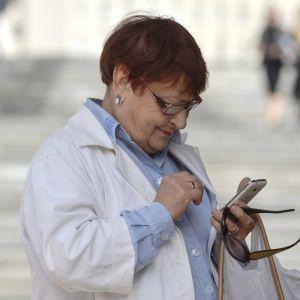 Касовий апарат у смартфоні: у Мінфіні розповіли, скільки підприємців вже скачали програму