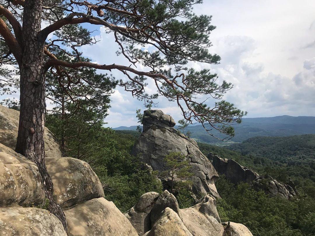 скелі довбуша 1