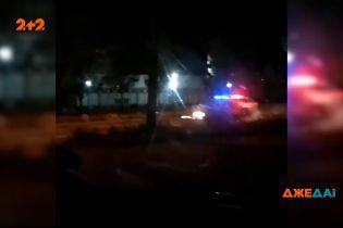 У Кривому Розі затриманий водій влаштував бійку