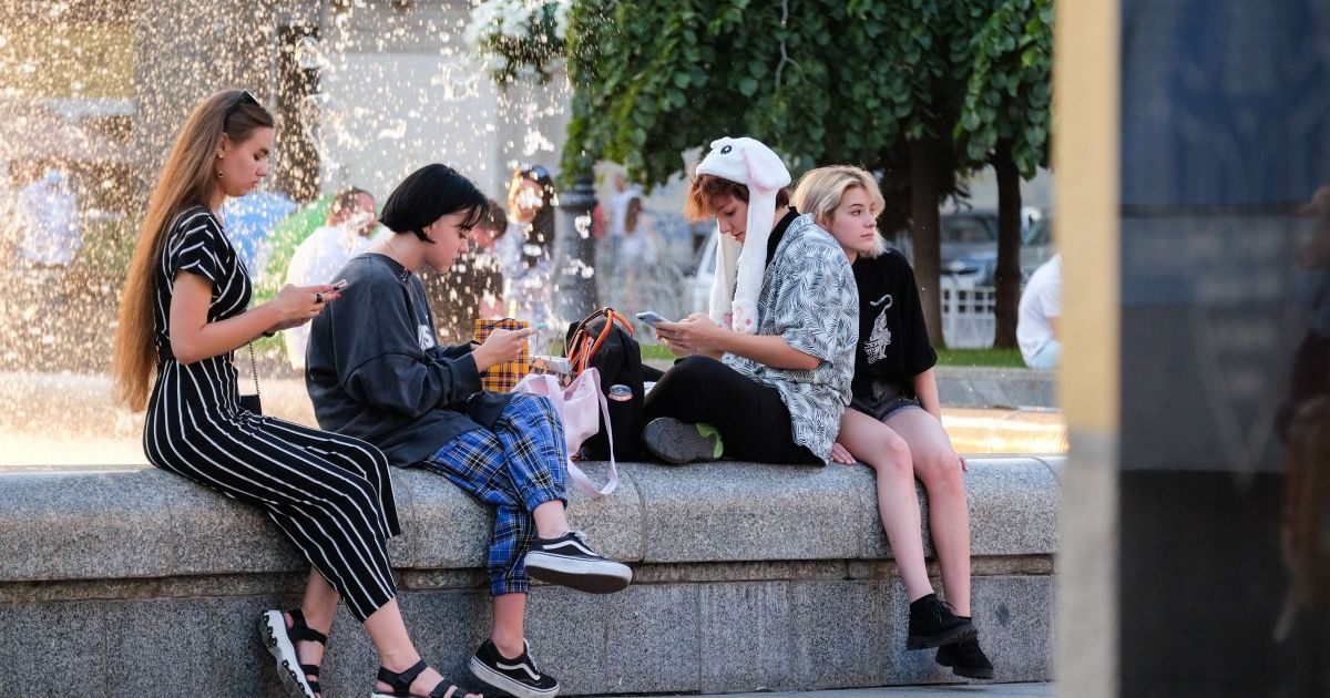 Выдумка, вселенский заговор или реальная болезнь: что думают украинцы о коронавирусе