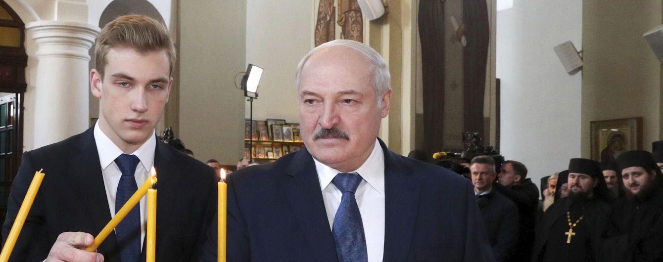 Лукашенко прокомментировал возможность передачи власти своим детям