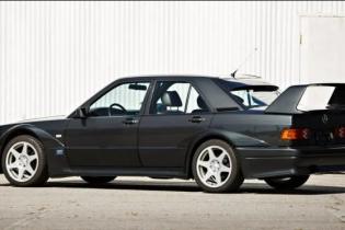 На аукционе продадут 30-летний Mercedes за 300 тысяч долларов: фото