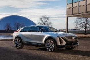 General Motors представил свой первый полностью электрический кроссовер Cadillac Lyriq