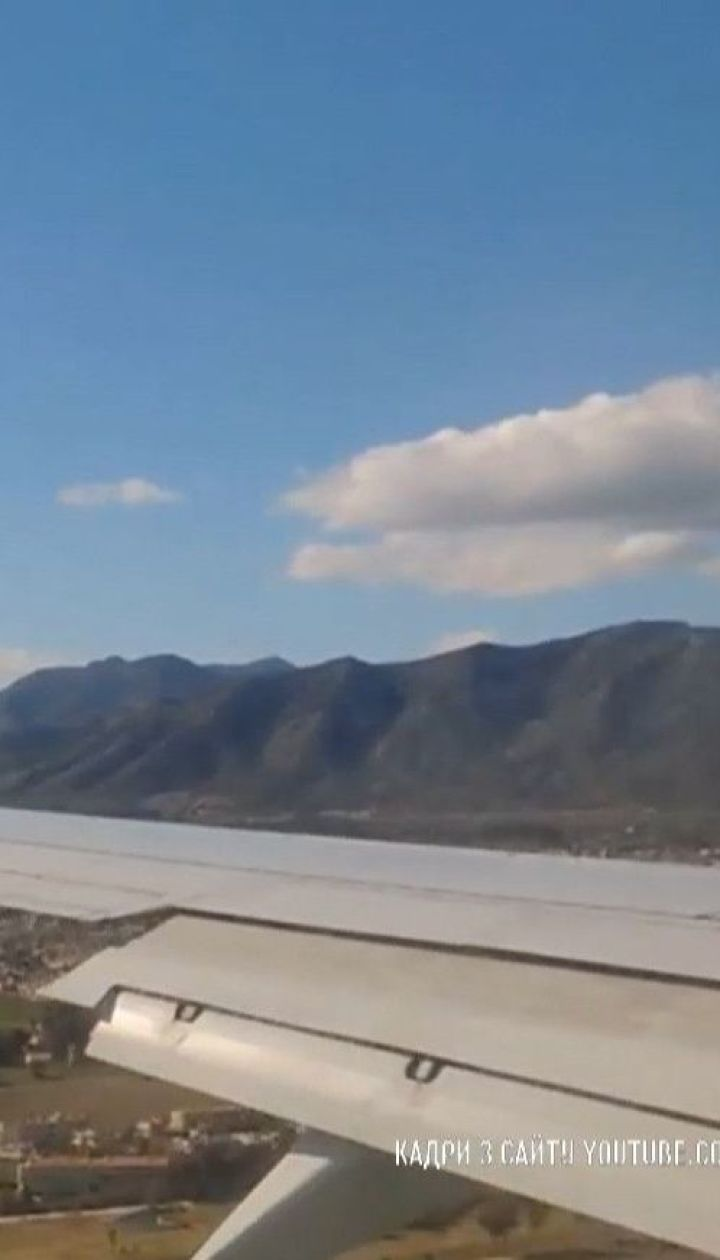 В Испании экстренно посадили самолет из-за украинца, который отказался надеть маску