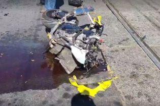 В Киеве от удара о легковушку мотоцикл разорвало на куски