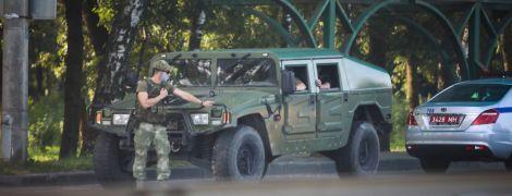 Выборы в Беларуси: очевидцы сообщают о военной технике в Минске и перебоях с интернетом