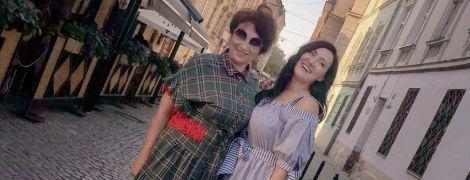Как подруги: Соломия Витвицкая прогулялась по Львову со своей мамой