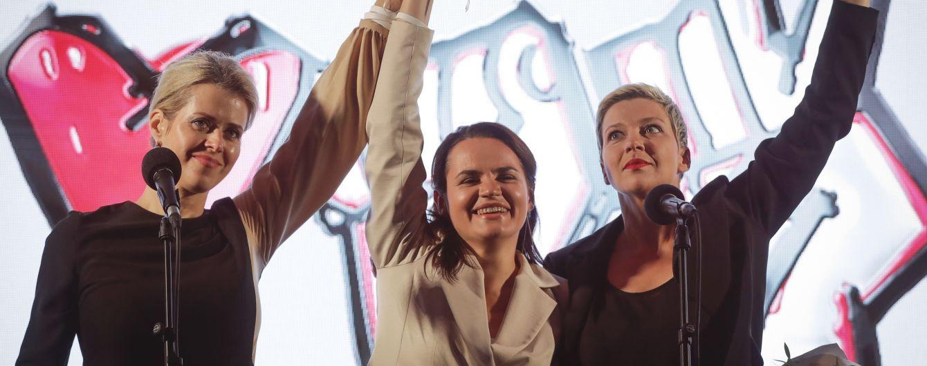 З Білорусі виїхала соратниця кандидатки у президенти Тихановської: голосувати буде в Москві
