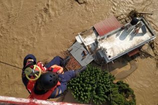 Из-за сильных ливней греческий остров ушел под воду: есть погибшие
