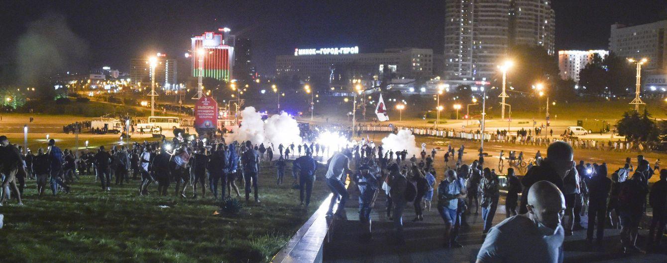 """Водометы, гранаты и пули: Лукашенко назвал подавление протестов """"мягким"""""""