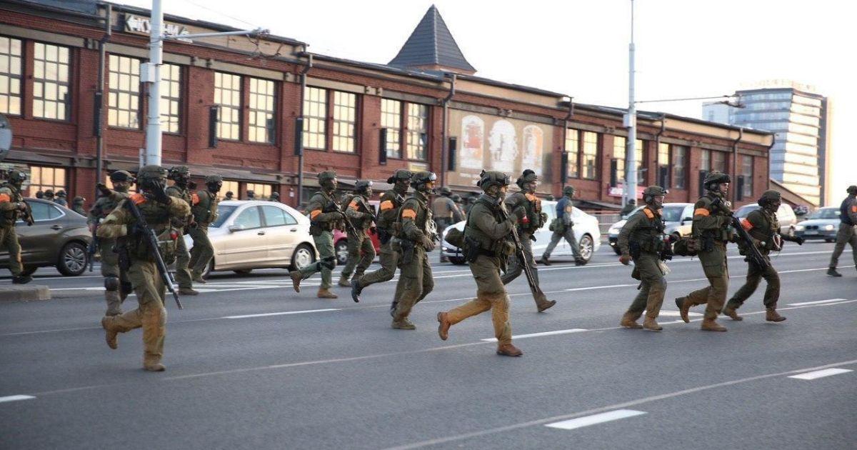 Глава МВД Беларуси назвал количество пострадавших во время протестов силовиков
