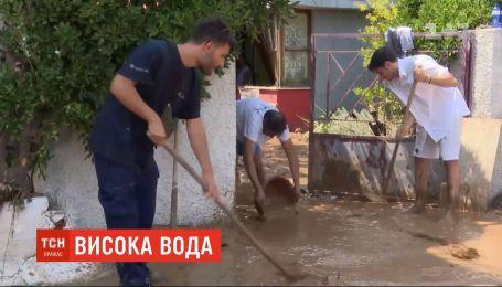 На острові Евбея у Греції паводки забрали життя щонайменше вісьмох людей