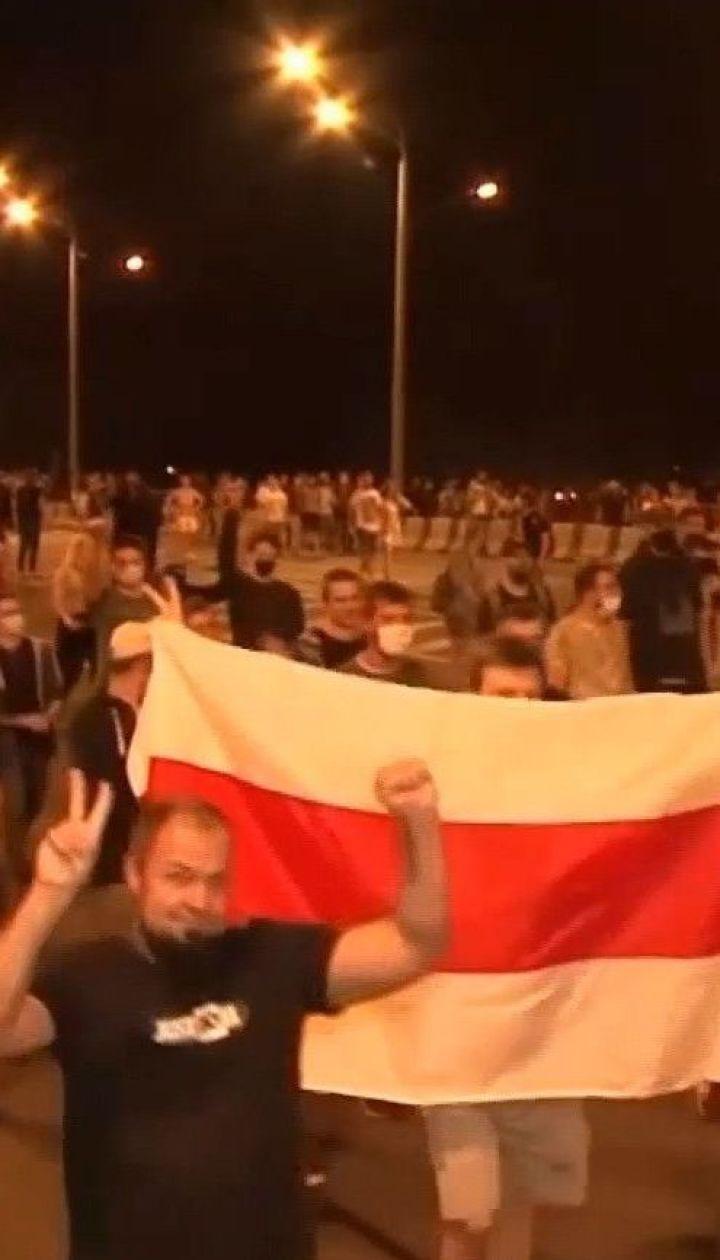 Тысячи задержанных и первая смерть: Беларусь продолжает лихорадить