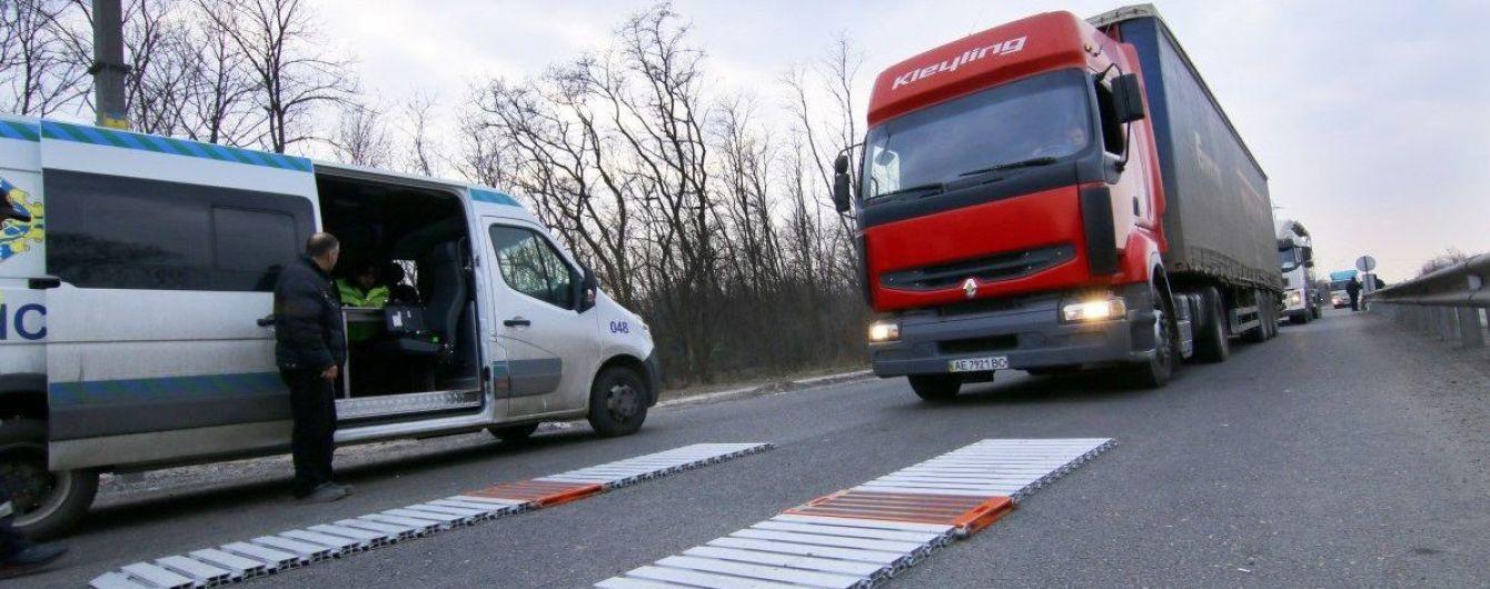 Від початку 2020 року водіїв фур оштрафували за перевантаження на 100 млн грн