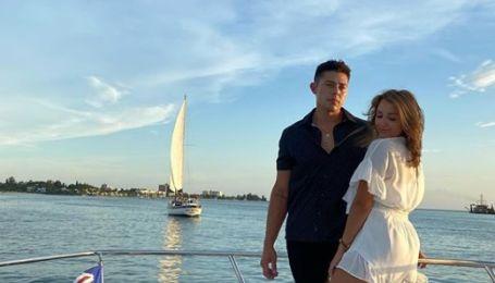 Американец разыграл девушку, когда делал предложение: кольцо полетело в океан