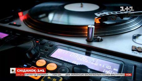 Чому вінілові платівки актуальні в епоху цифрової музики
