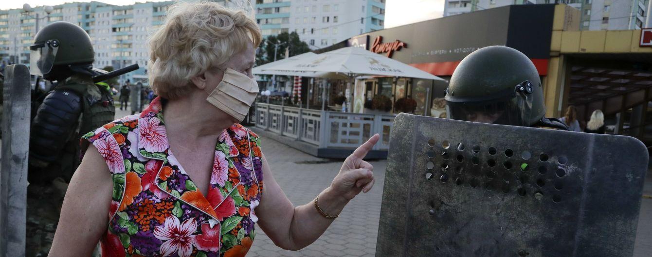 У Білорусі під час масових протестів затримали понад пів сотні журналістів