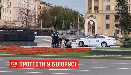 В Беларуси выпустили около тысячи задержанных протестующих, среди них может быть украинец