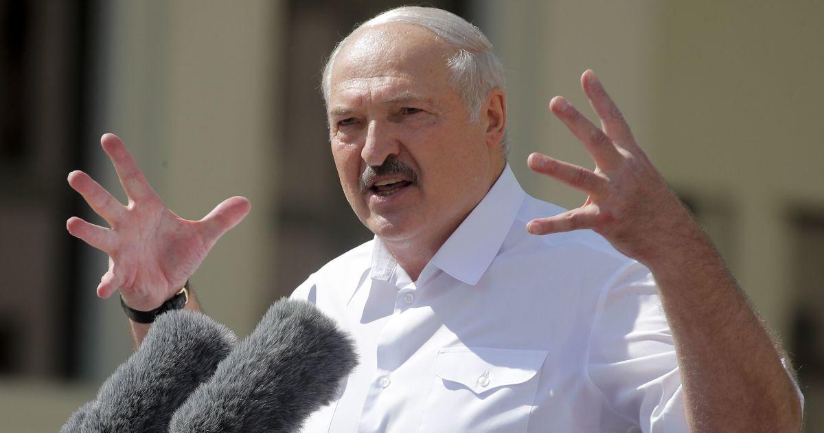 Рада ЄС подовжила санкції проти білоруської влади