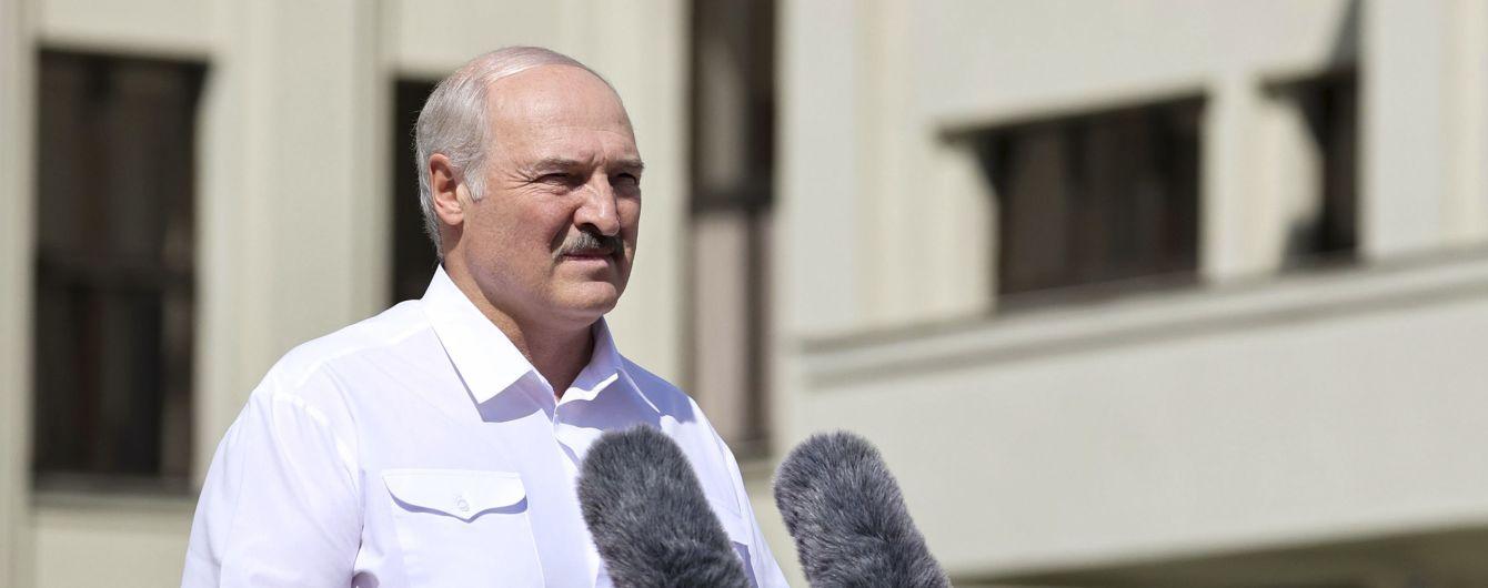 """""""Загубите мене, і це буде початком вашого кінця"""": Лукашенко з трибуни заявив, що не віддасть Білорусь"""