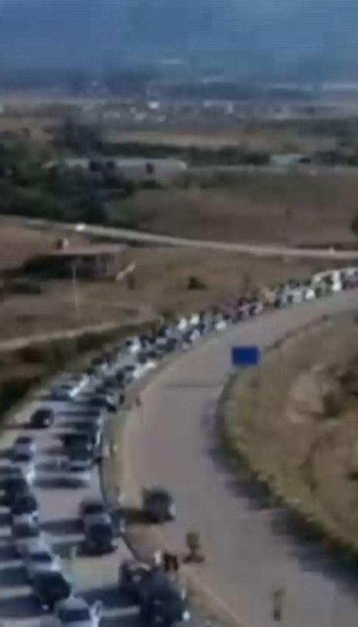На границе между Грецией и Албанией образовалась пробка длиной 20 километров