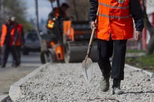 """Зеленський розповів, за які гроші будують дороги за програмою """"Велике будівництво"""""""