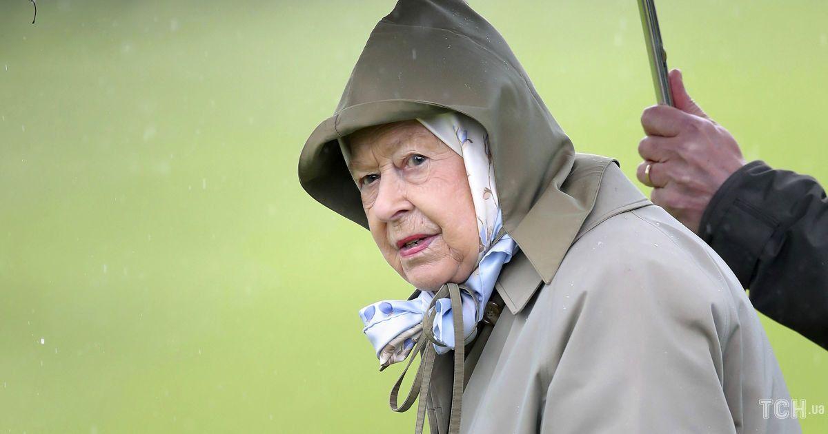 Ее Величество в печали: у королевы Елизаветы II произошла трагедия