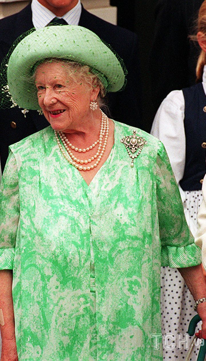 Принцесса Маргарет, королева-мать и королева Елизавета II