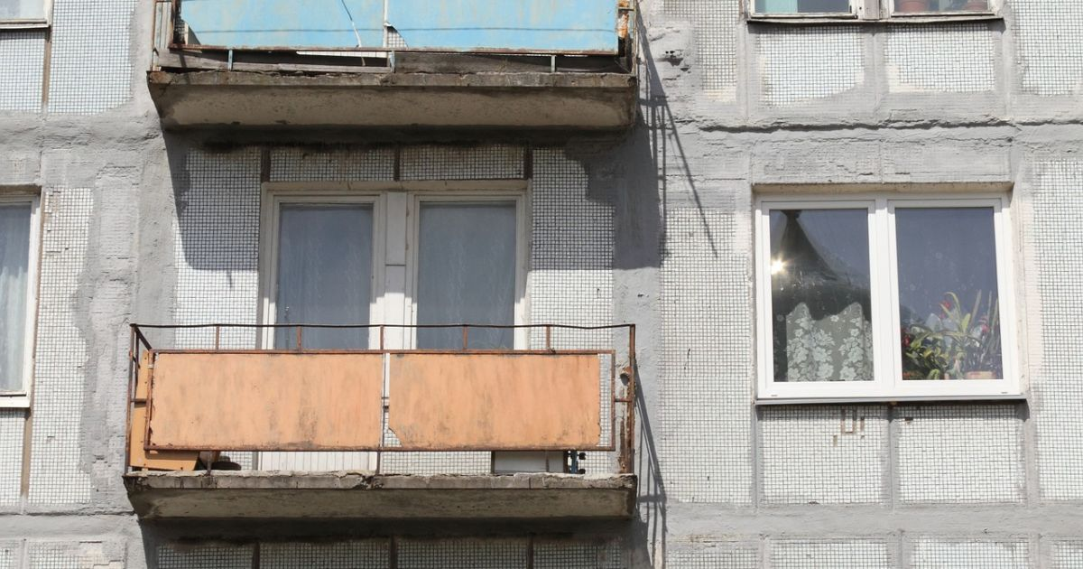 Под Ровно женщина обнаружила труп неизвестного мужчины на своем балконе