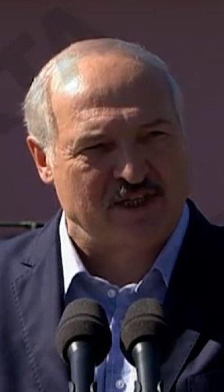 Лукашенко VS працівники заводів: епічні кадри страйків на підприємствах Білорусі