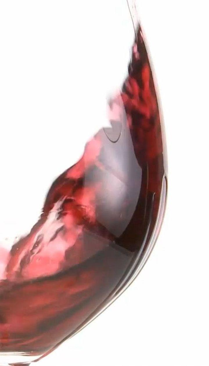 Вино лечит от коронавируса - канадские ученые
