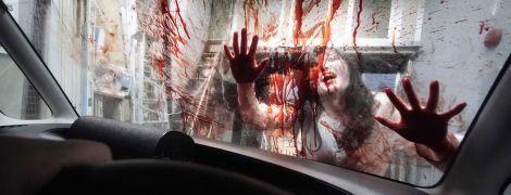 """Пандемия вдохновила японцев на создание """"гаража ужасов"""", полного зомби и крови: жуткие фото изнутри"""