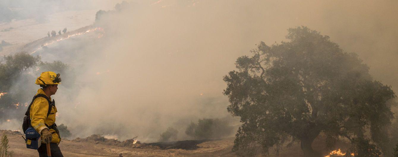 Лесные пожары в Калифорнии: разбился вертолет спасателей