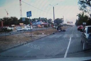 В Одесі мотоцикліст збив матір з двома дітьми