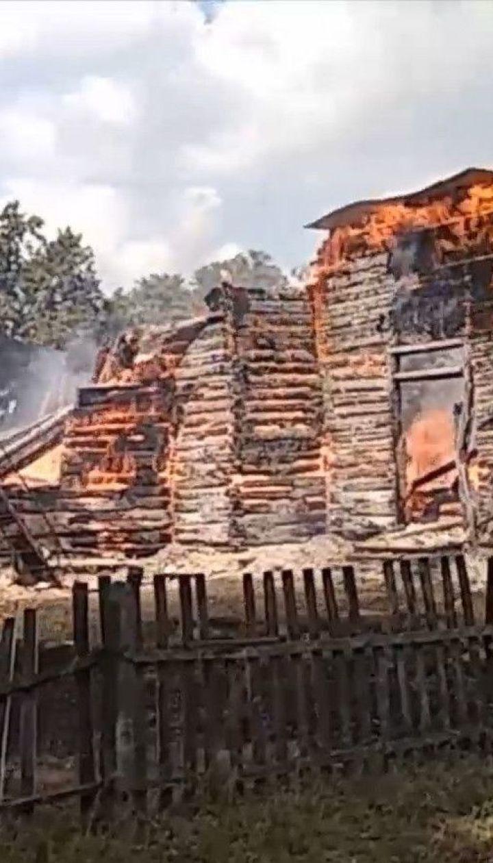 В Житомирской области полностью сгорела деревянная церковь