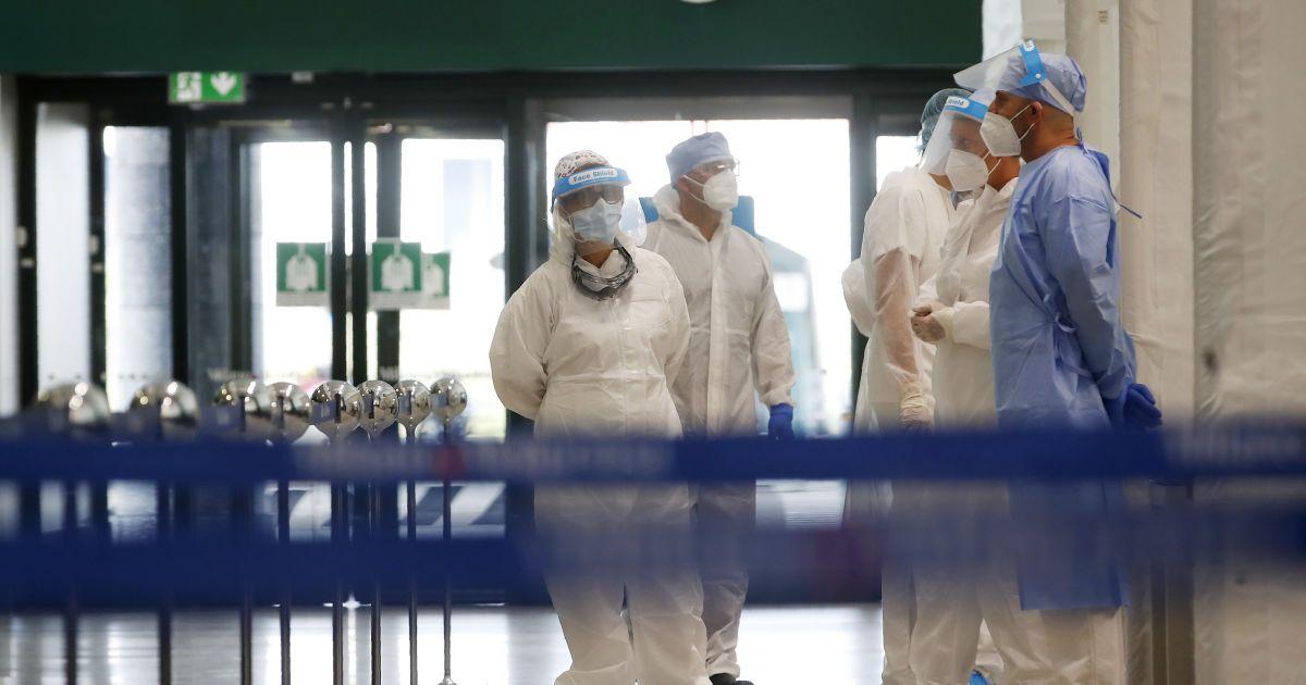 """""""Пусть умирает дома"""": под Киевом не нашлось места в больнице для пациента с двусторонней пневмонией"""