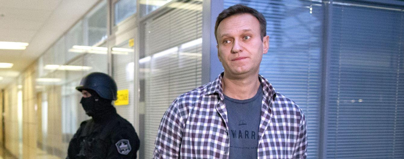 """Сліди """"Новачка"""" виявили у сечі, крові, на шкірі та речах Навального — Spiegel"""
