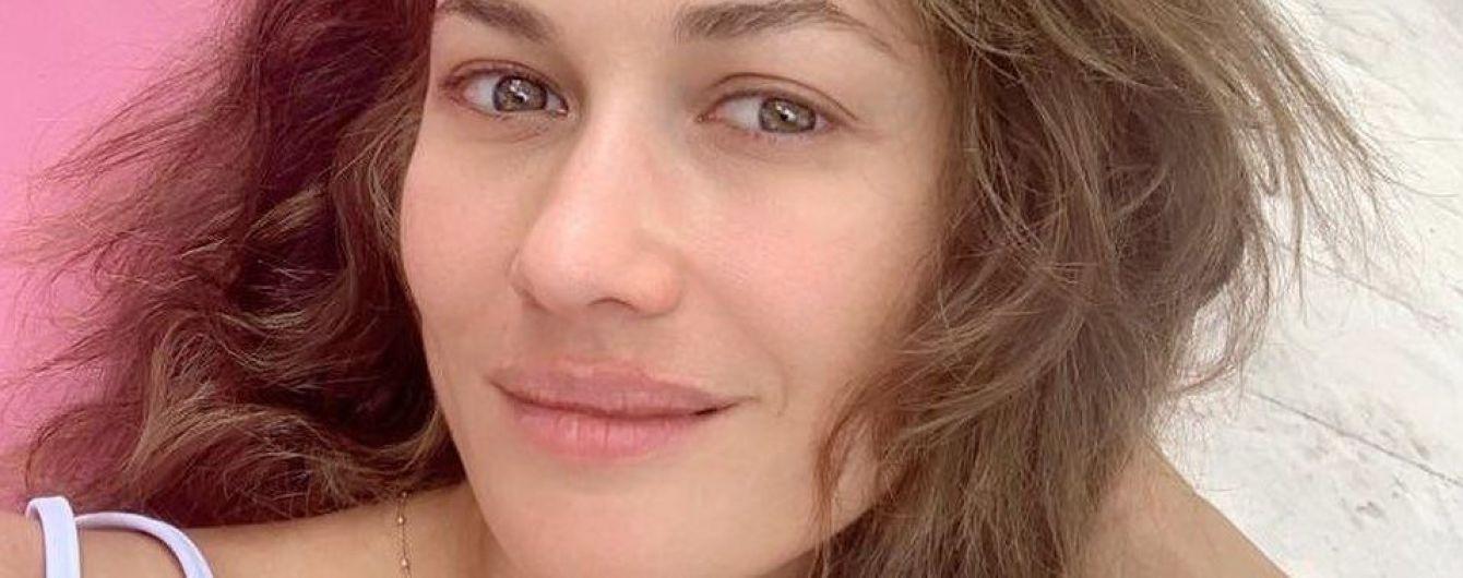 Сексуальна Ольга Куриленко показала фото в стильному