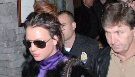 Суд продлил опекунство отца Бритни Спирс над 38-летней певицей