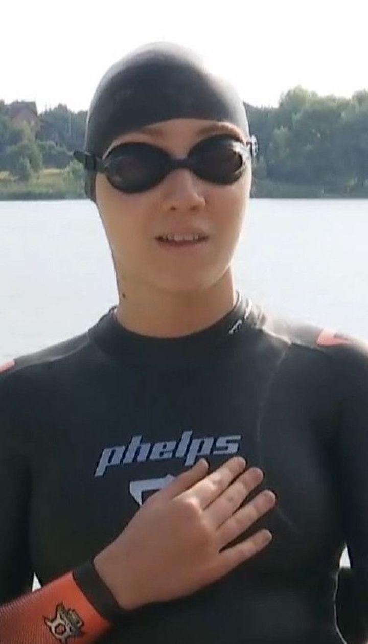 Новий рекорд: 15-річна киянка, яка не відчуває ніг, пропливла півтора кілометра лише руками