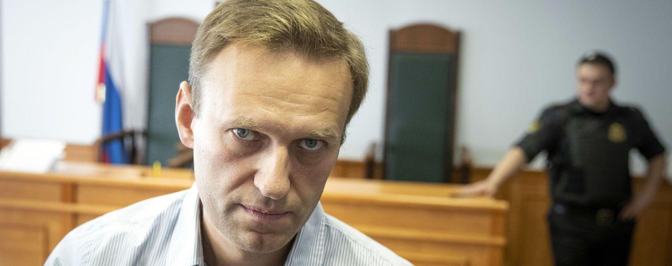 Заключенный Навальный теряет чувствительность рук — адвокат