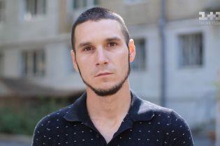 Сьомий рік поспіль боронить Україну на Донбасі: історія Олега Карамова