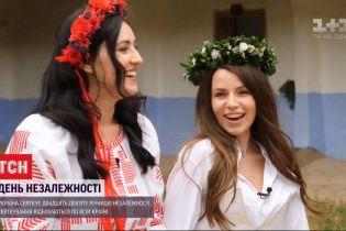 ТСН допомогла Христині Соловій зібрати український весільний вінок