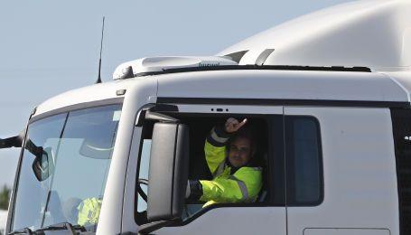 Експерти склали список жестів водіїв, які повинен знати кожен